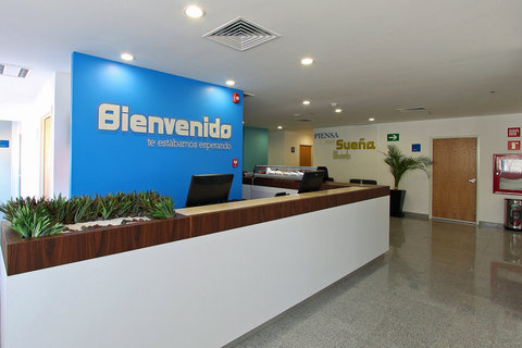 One Guadalajara Periferico Vallarta - Front Desk