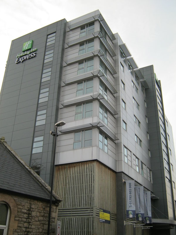 Holiday Inn Express Swindon City Centre Vista exterior