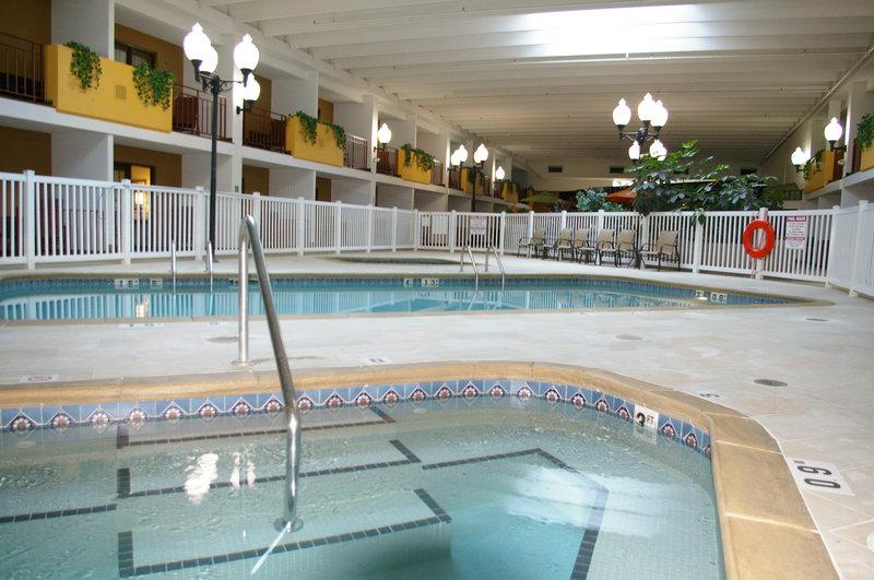 Holiday Inn AUSTIN CONFERENCE CENTER - Austin, MN