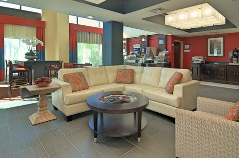 Holiday Inn Express & Suites Austin SW - Sunset Valley - Great Room