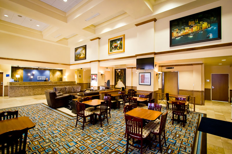 Holiday Inn Express Hotel & Suites Austin Airport Lobi