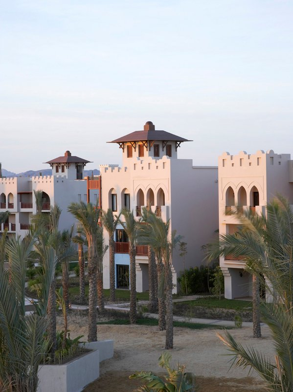 Crowne Plaza Resort Sahara Oasis Port Ghalib Resort 外観
