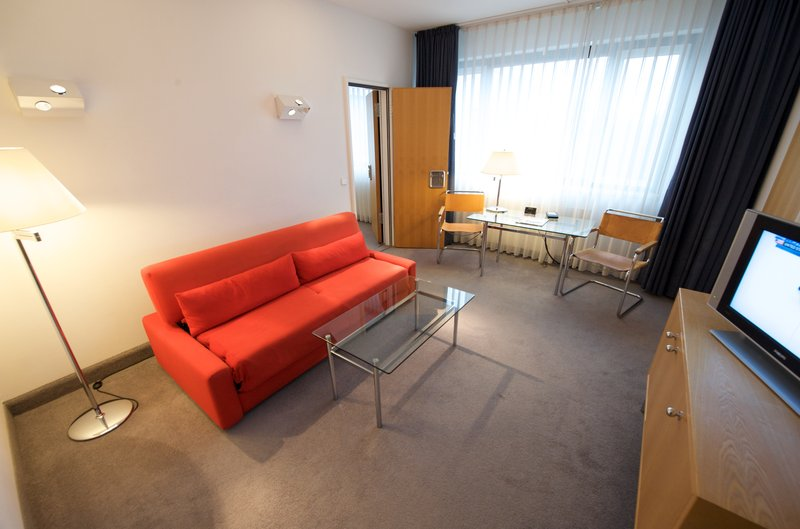 Holiday Inn Berlin City-West Odanın görünümü