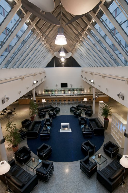 Holiday Inn Berlin City-West Salon/Lobi