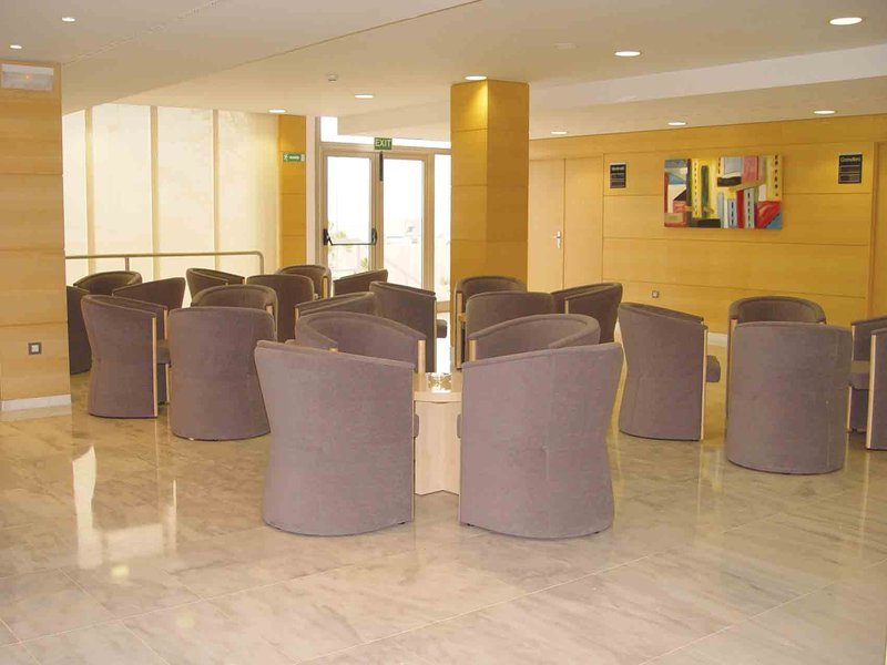 Holiday Inn Express Montmelo Bar/lounge