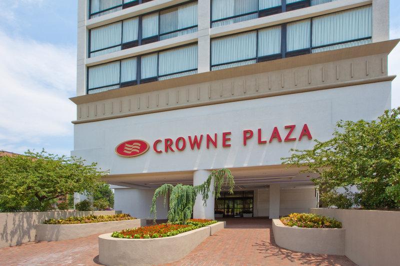 Crowne Plaza - Alexandria, VA