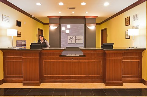 Holiday Inn Express Hotel & Suites Bartow - Hotel Lobby