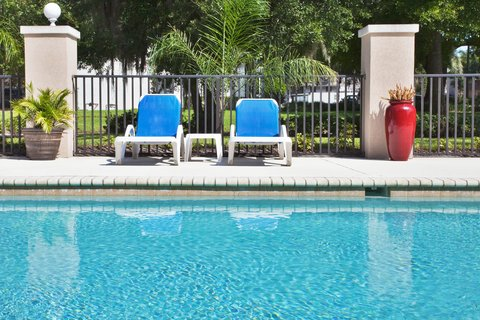 Holiday Inn Express Hotel & Suites Bartow - Swimming Pool