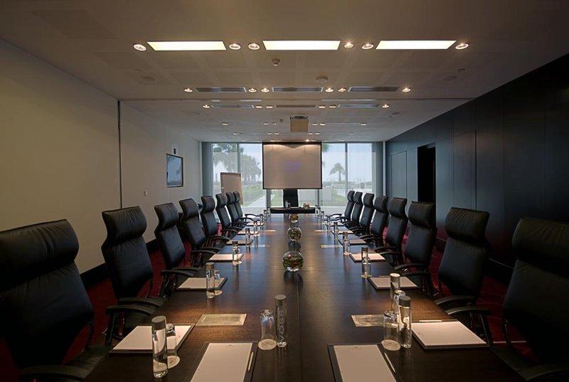 Staybridge Suites Abu Dhabi-Yas Island Meeting room