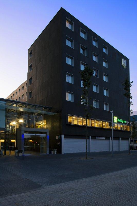 Holiday Inn Express Barcelona-City 22 at Buitenaanzicht