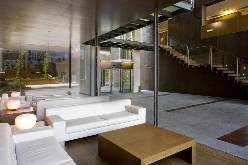 Holiday Inn Express Barcelona-City 22 at Lobby