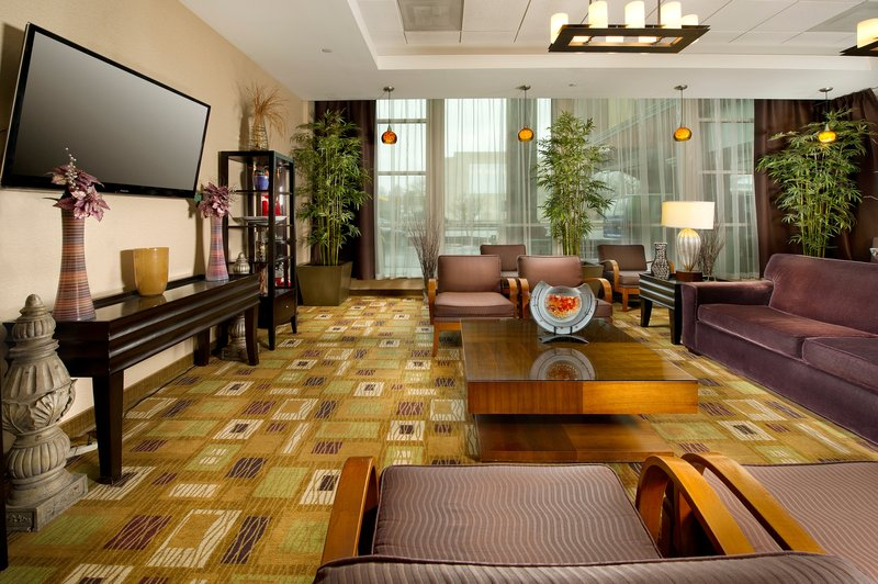 Holiday Inn Express Baltimore At the Stadiums Lobby