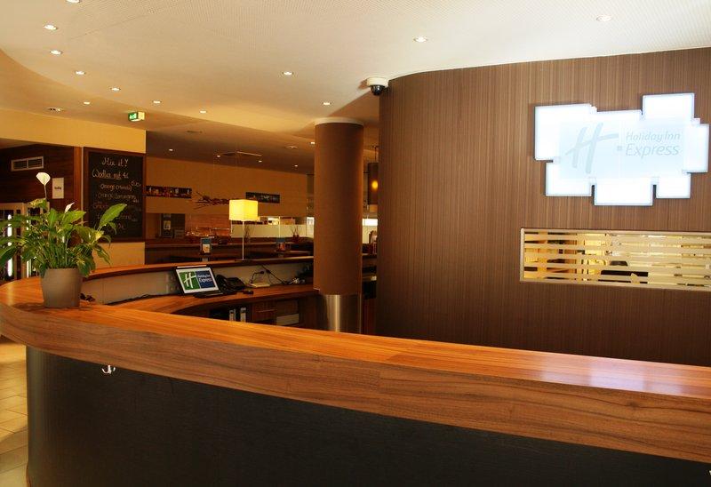 Hotel Holiday Inn Express Berlin City Centre-West Recepção