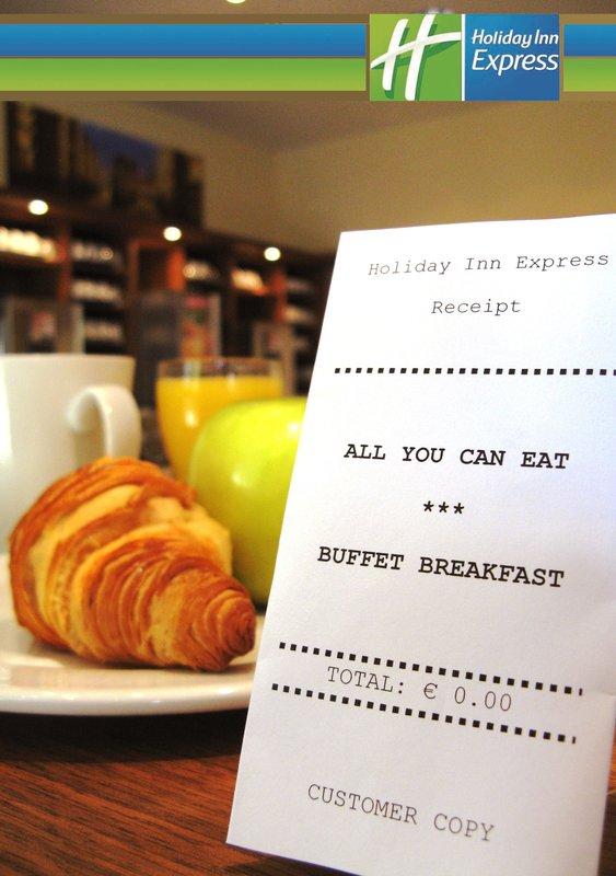 Hotel Holiday Inn Express Berlin City Centre-West Bar de café da manhã