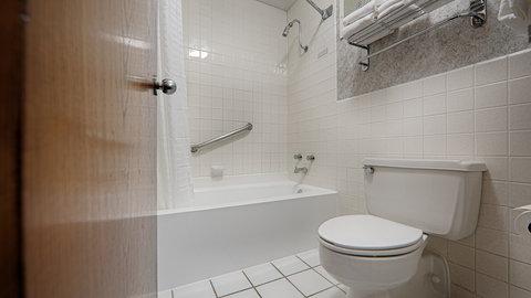 BEST WESTERN Hensley's - Guest Bathroom
