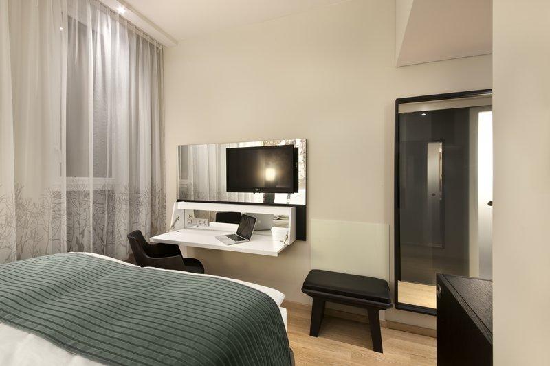 Hotel Holiday Inn Berlin - Centre Alexanderplatz Quarto com cama de casal