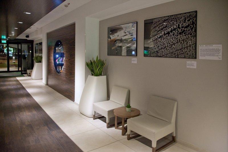 Holiday Inn Rome - Pisana Außenansicht