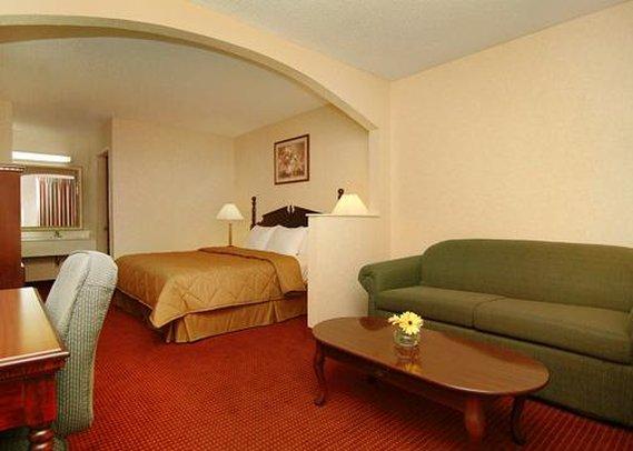 Quality Inn & Suites - Clarksville, AR