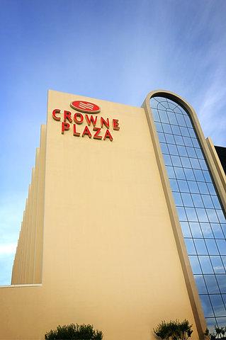 Crowne Plaza Suites ARLINGTON - BALLPARK - STADIUM - Hotel Exterior