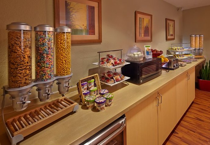 TownePlace Suites Orlando East/UCF Gastronomi