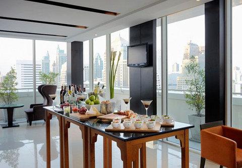 كورتيارد باي ماريوت بانكوك - Executive Lounge   Hors d Oeuvres