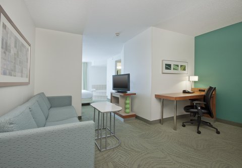 SpringHill Suites Grand Rapids North - King Whirlpool Suite   Living Area