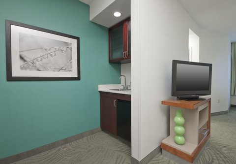 SpringHill Suites Grand Rapids North - Suite Kitchenette
