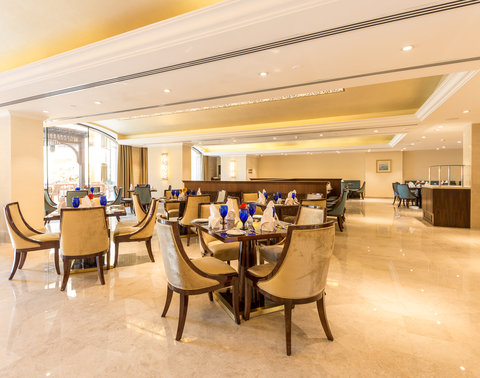 منتجع وسبا جزيرة المرجان - Liwan Restaurant  All Day Dining