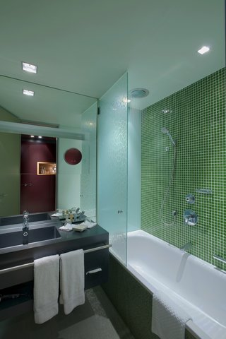 Radisson Blu Hotel Cologne - Bathroom