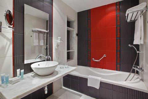 هيلتون جرين بلازا الاسكندرية - Executive Guestroom Bathroom