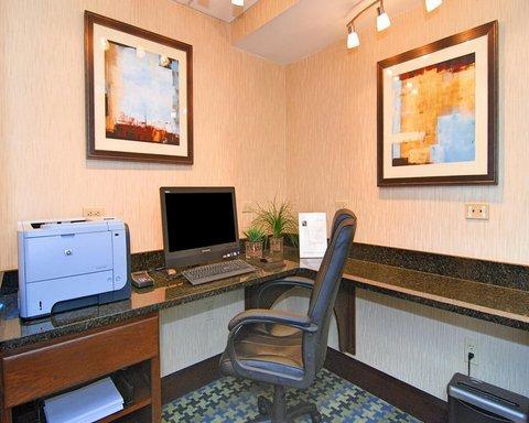 Hampton Inn Gainesville FL - Business Center