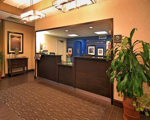 Hampton Inn Gainesville FL - Front Desk