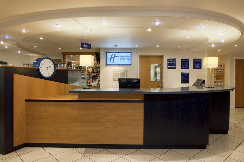 Holiday Inn Express Canterbury Lobby