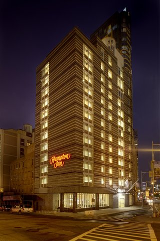 Hampton Inn Brooklyn Downtown NY - Night Exterior