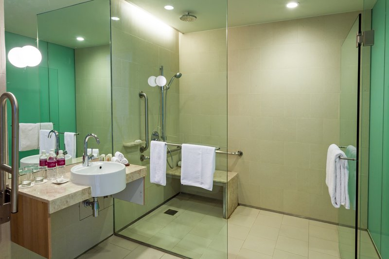 Crowne Plaza Hotel Changi airport Вид в номере
