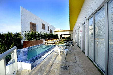 Vintro South Beach - Pool Deck