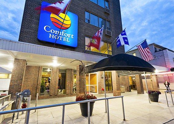 Comfort Hotel Downtown 外観