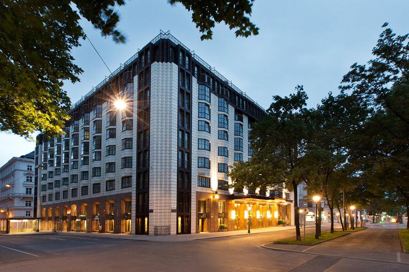 Hilton Vienna Plaza Widok z zewnątrz
