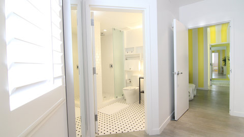 Vintro South Beach - Two Bedroom Suite Second Bathroom