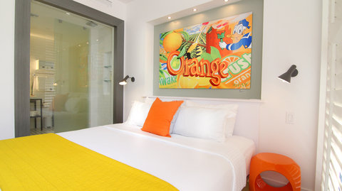 Vintro South Beach - Two Bedroom Suite Bedroom