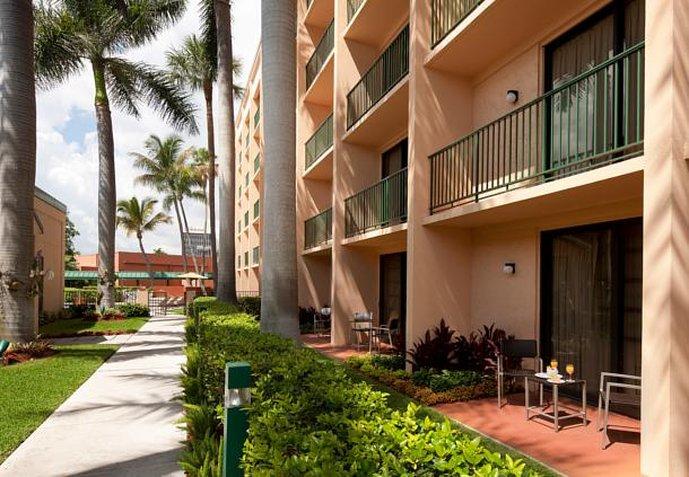 Hotel Courtyard Fort Lauderdale East Außenansicht