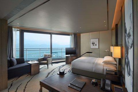 Hilton Shenzhen Shekou - King Premium Room with Balcony and Bay View