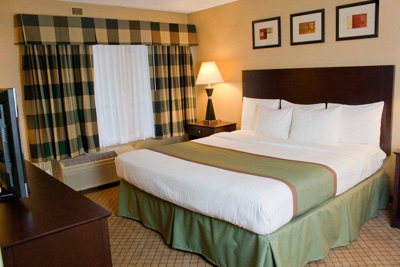 Plaza Hotel And Suites - Eau Claire, WI