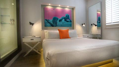 Vintro South Beach - One Bedroom Suite Bedroom