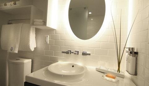 Vintro South Beach - Deluxe Garden View - Bathroom