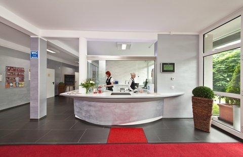 Novum Hotel Aviva - Rezeption