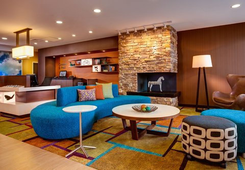 Fairfield Inn & Suites Calhoun - Lobby