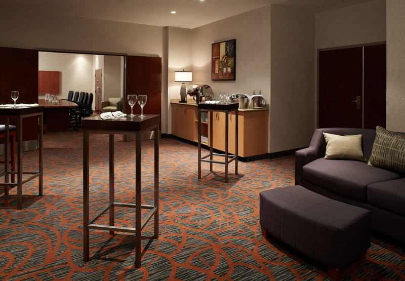 Courtyard by Marriott Montreal Airport Zimmeransicht