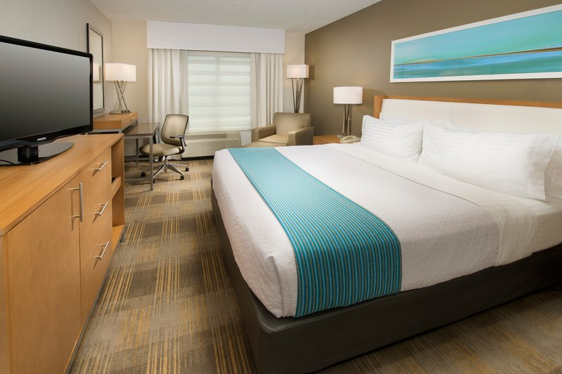 Holiday Inn Miami-Airport West Suite