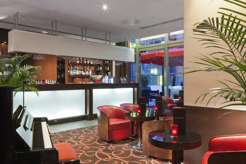 Crowne Plaza Lyon Bar/Lounge